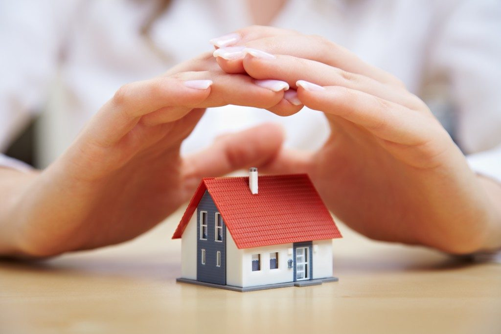 Home insurance coverage concept